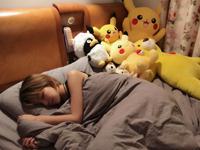 睡前还要打几局LOL 职业电竞选手小姐姐在CJ的一天
