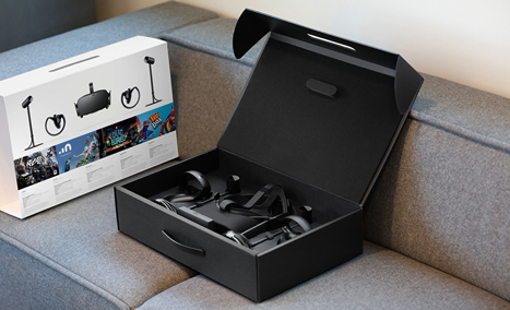 Oculus_Rift_Touch_bundle_inside_box.png