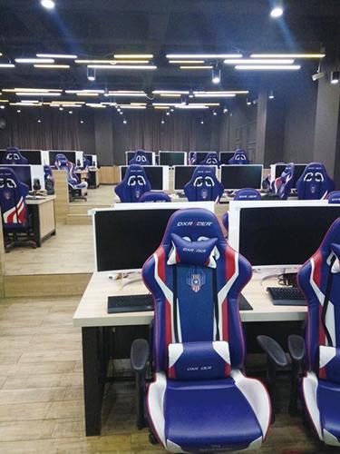 探访蓝翔电竞专业:首批学员仅十多人 天天学习打游戏