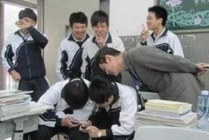 如何不让学生玩手机
