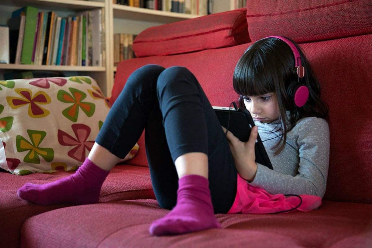 腾讯发布新规:未成年人30天内游戏消费超500元将引发警报