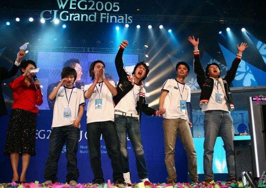 图4-wNv战队在WEG总决赛上获得CS世界冠军.jpg