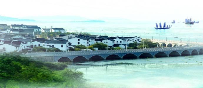 图3 东山环太湖风光.png