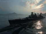 一艘黑乎乎的运煤船 披上华丽的外衣伪装成战舰