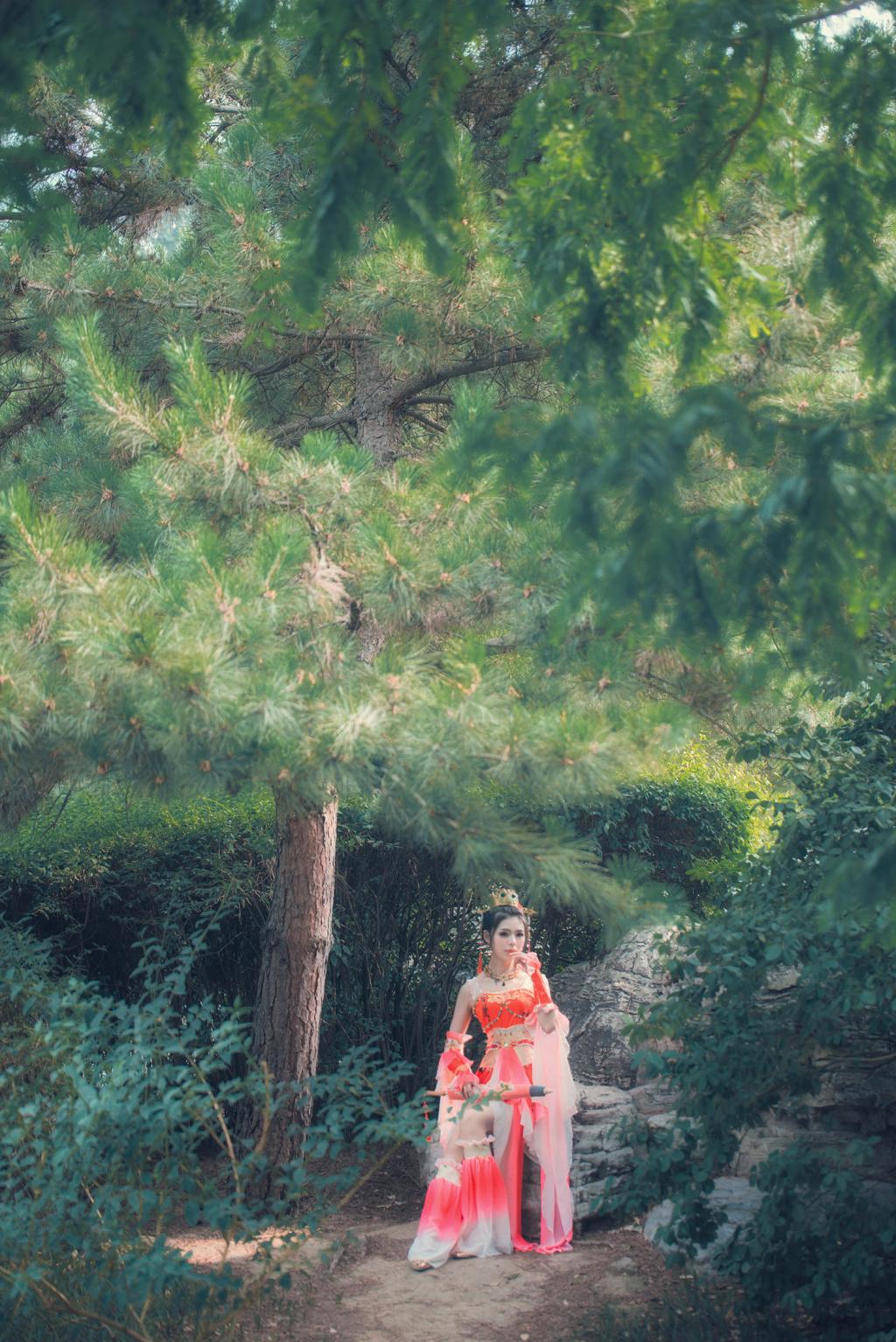 剑网3七秀优秀cos欣赏推荐 一弄红袖半藏森林
